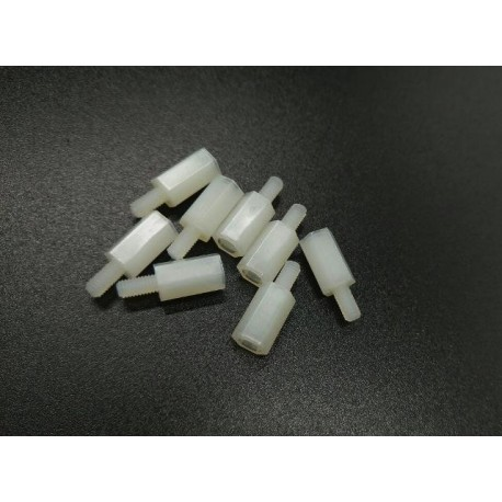 اسپیسر پلاستیکی3x6x10mm